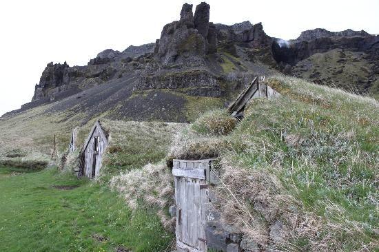 Nupsstadur Farm and Church: The turf houses, near Vik, Iceland