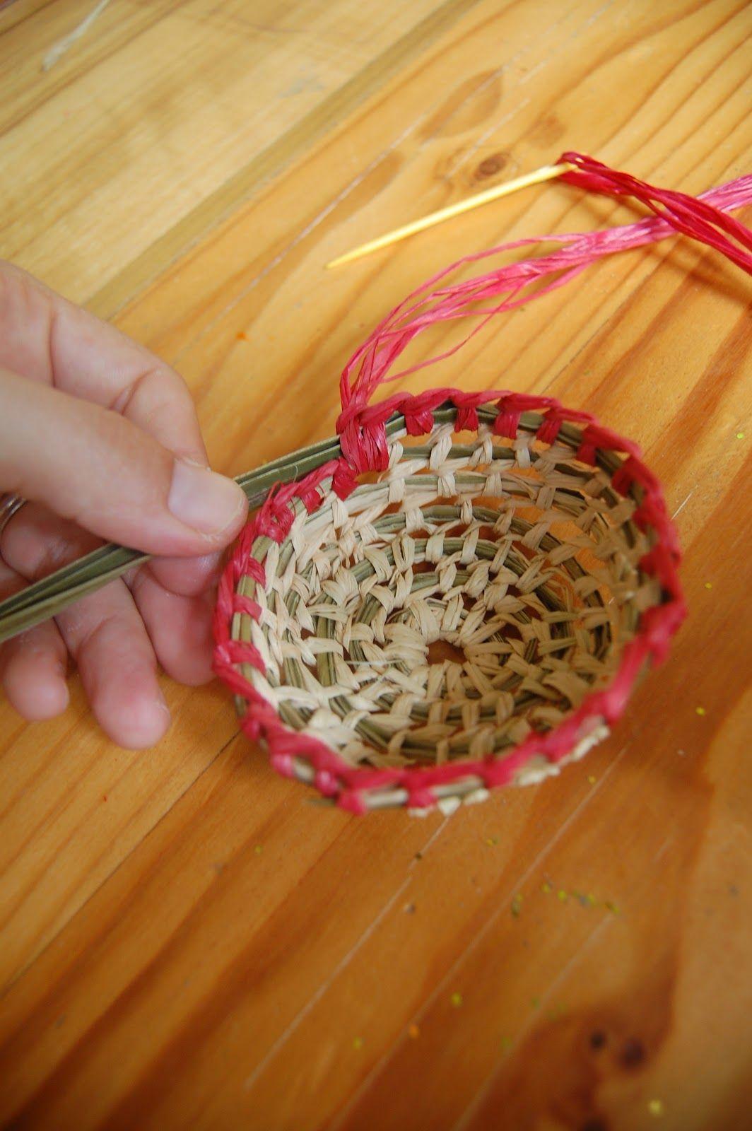 Coil basket weaving methods // paperphine paper raffia bowl.