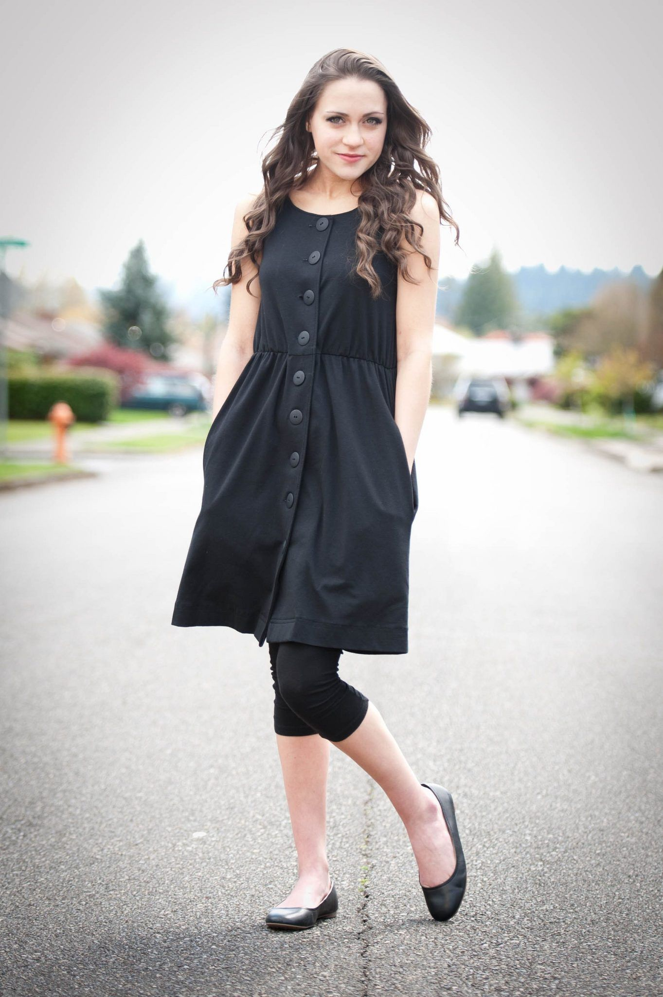 Clackamas Raised Elaini Garfield Is Wearing 1 Dress 100 Ways For Orphans Halfway Around The World Dresses With Leggings Lovely Clothes Simple Black Dress [ 2048 x 1363 Pixel ]