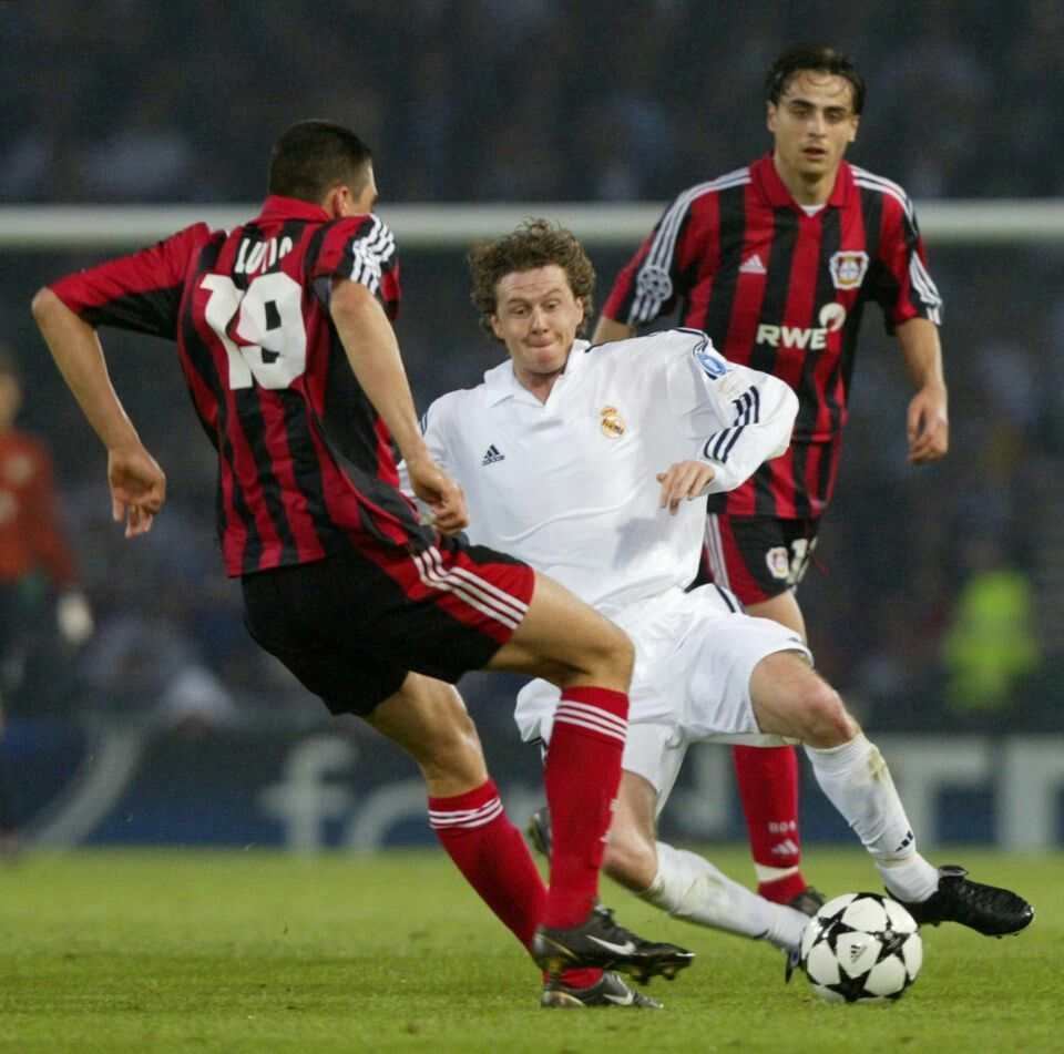 Real Madrid 2 B Leverkusen 1 In May 2002 At Hampden Park Ferreira Da Silva Steve Mcmanaman And Champions League Final Champions League Uefa Champions League