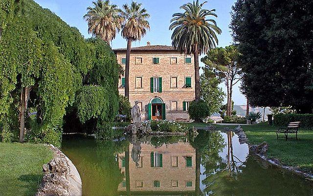 Borgo Storico Seghetti Panichi a Castel di Lama #marche #terredelpiceno #marchetourism #destinazionemarche