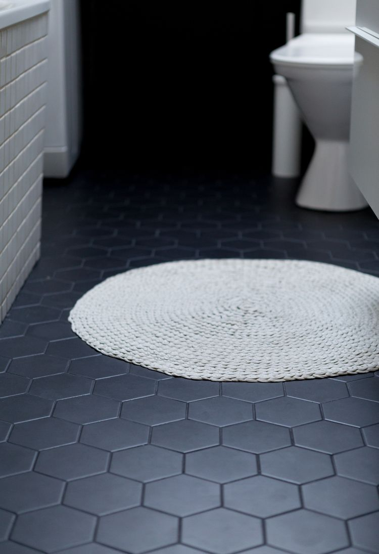 ▴ BAÐIÐ ▴ | Bathrooms | Pinterest | Black hexagon tile, Black ...