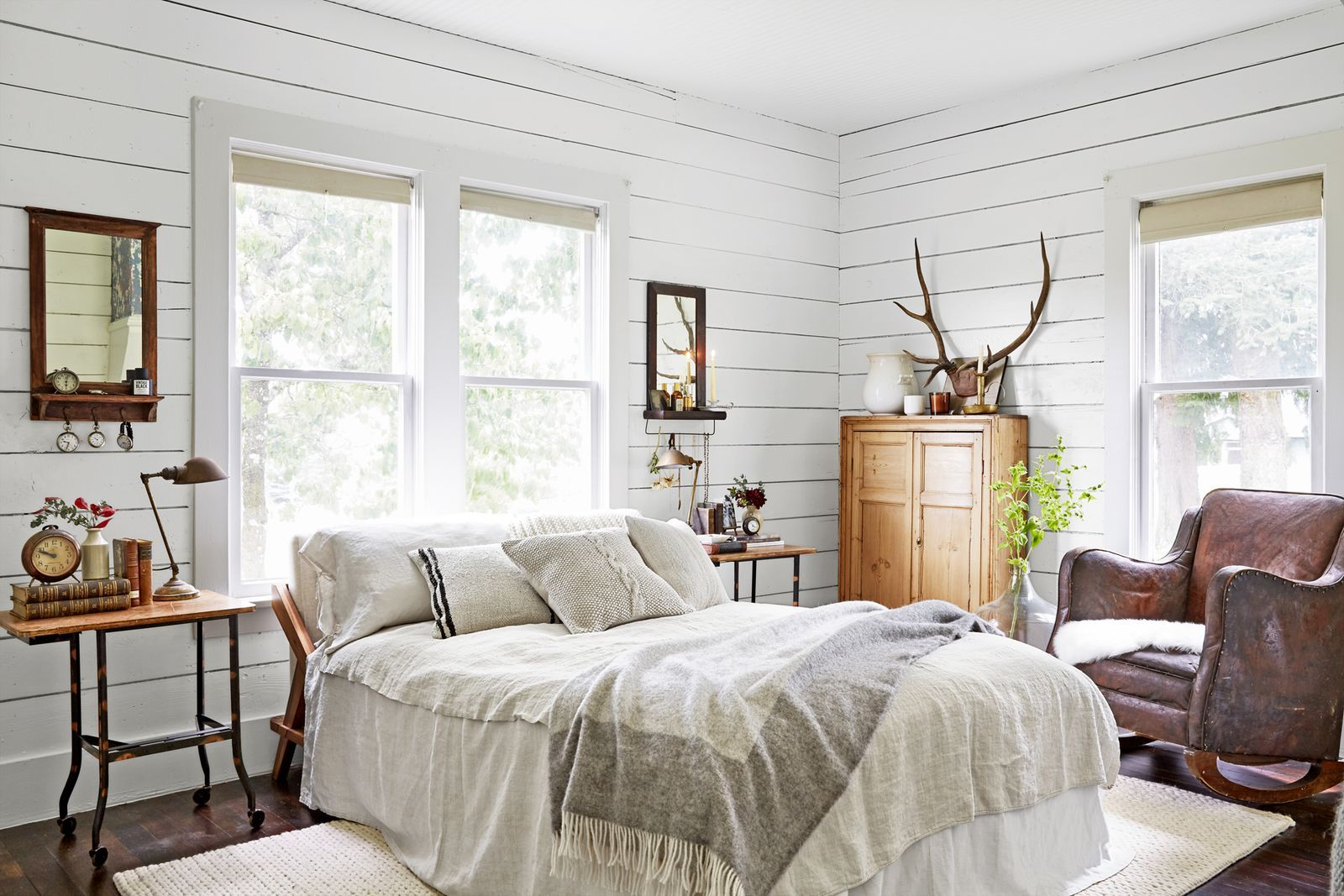 Photo of 100+ Bedroom Decorating Ideas to Suit Every Style