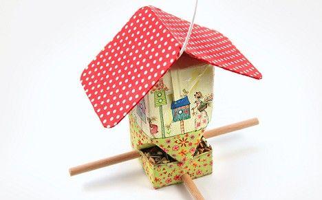 bastelanleitung vogelhaus aus tetrapak selber machen pinterest v gel basteln und haus. Black Bedroom Furniture Sets. Home Design Ideas