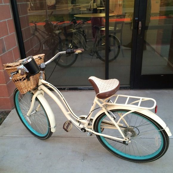Girls Beach Cruiser Bike Fairly New Barely Used All Working