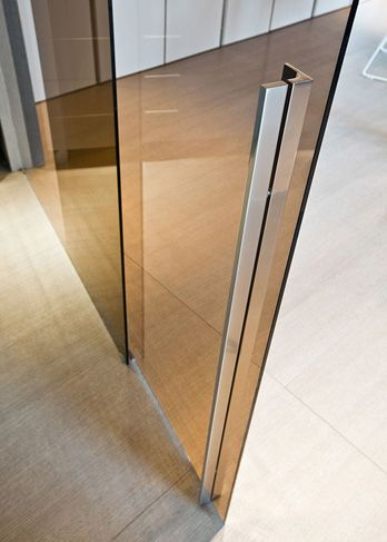 Great Handle Detail And Like The Coloured Glass Detail Too Glass Pavilion Sliding Door Handles Best Sliding Glass Doors Sliding Glass Door
