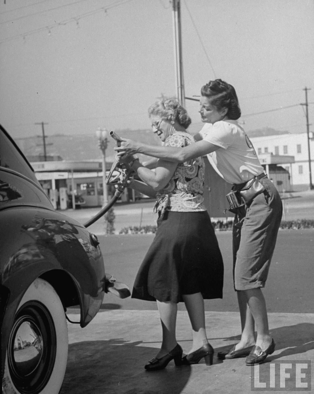 Pin by David Lawson on gas stations Gas pumps, Gas