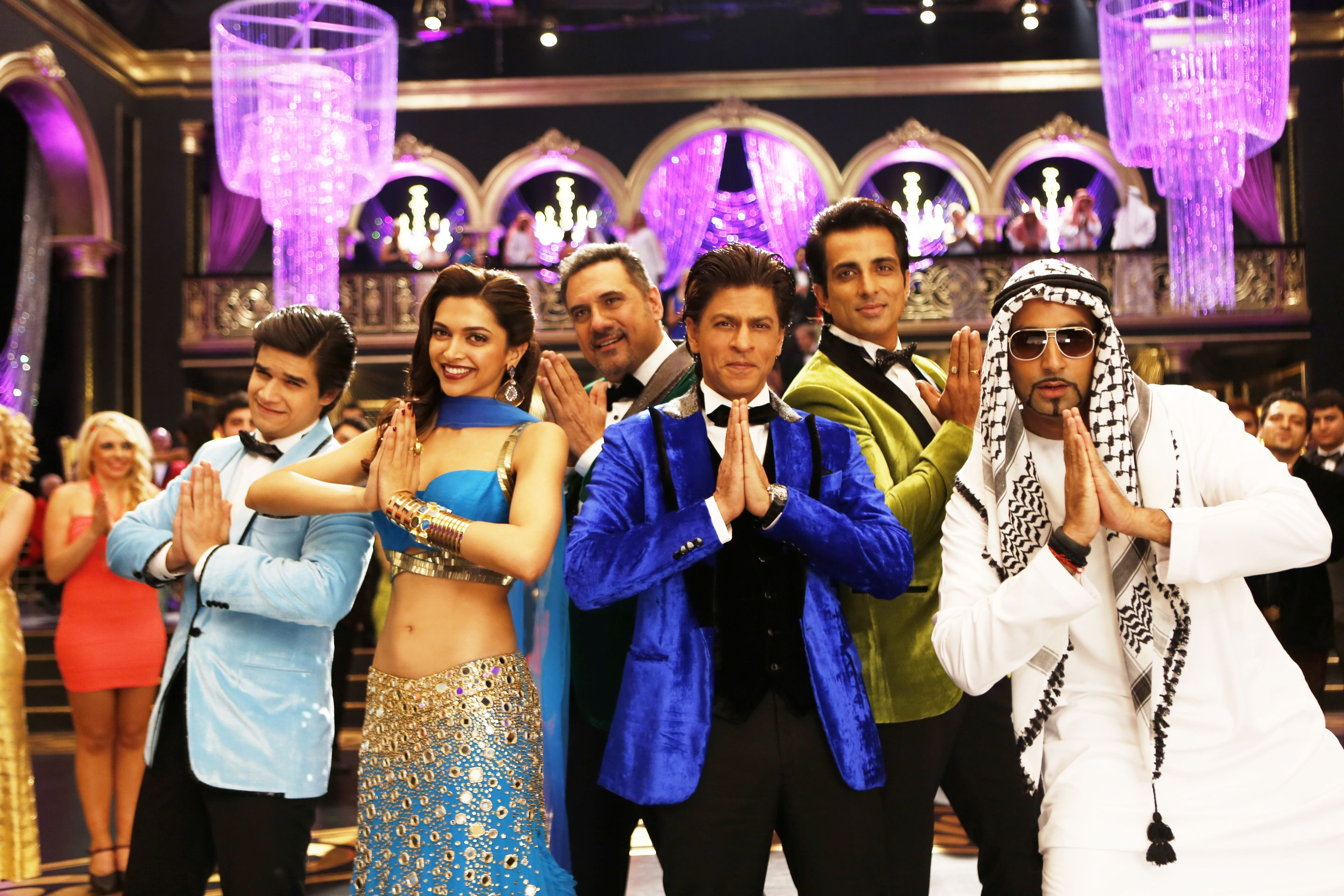 They Look All So Innocent Are They Really Happynewyear Http Cinecentre Co Za Movie 3623 Happy New Year Movie Happy New Year Song New Years Song