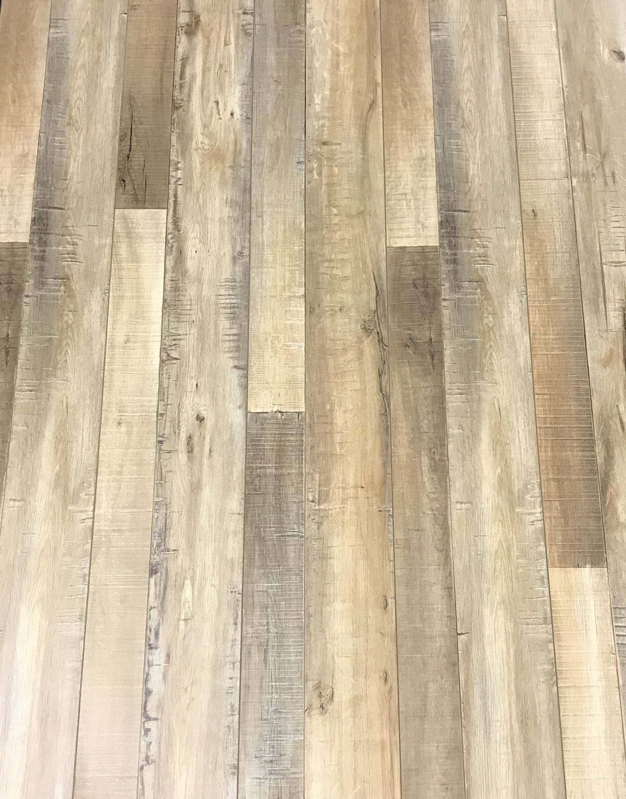 Twin Peaks Laminate Flooring 8mm With Attached Pad Easy Click
