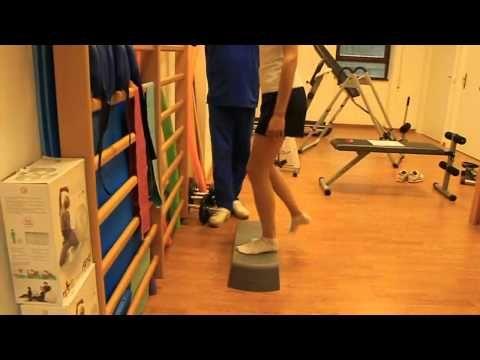 Fisioterapia del ginocchio: recupero del muscolo quadricipite - YouTube