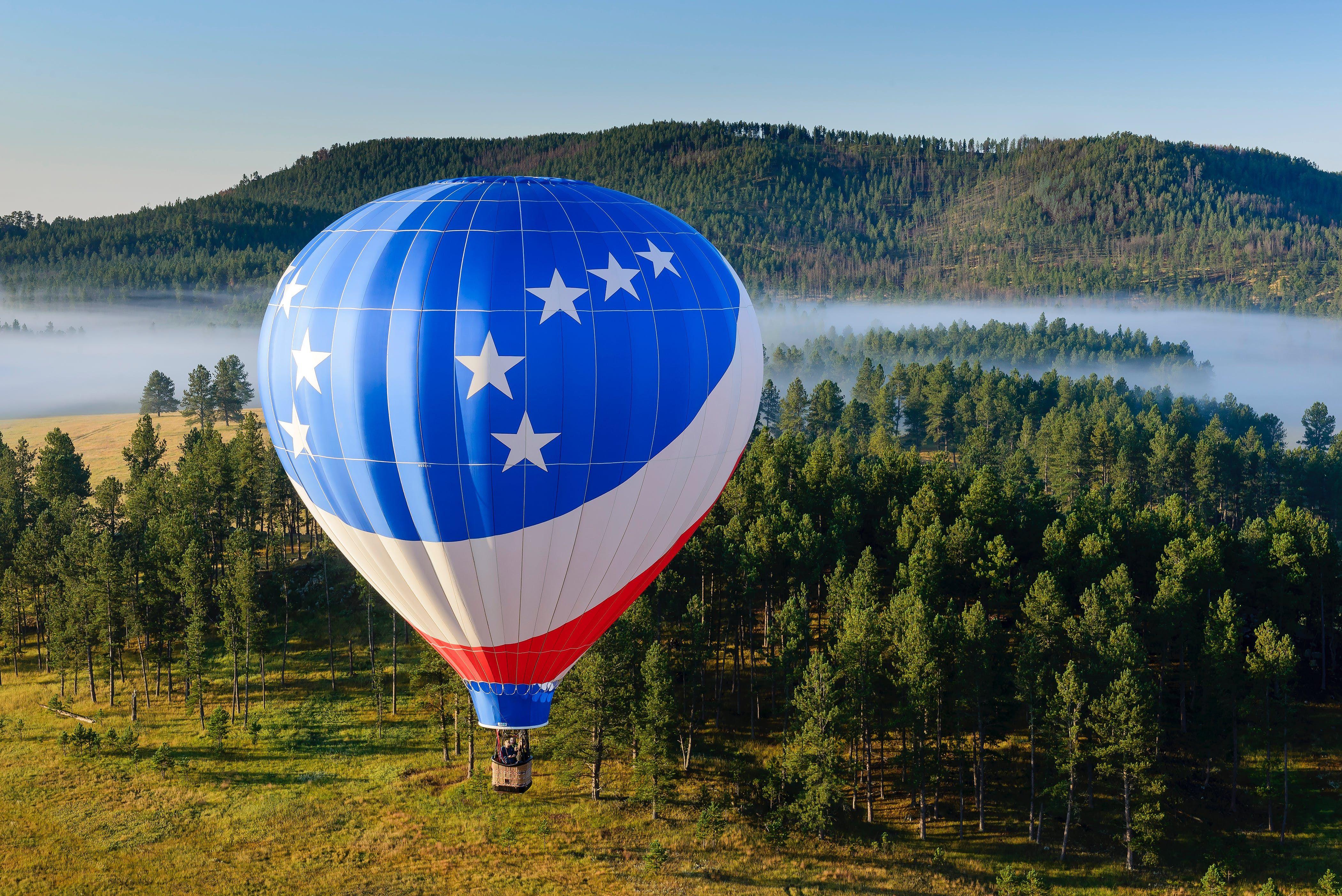 20 Places Where You Can Go on a Romantic HotAir Balloon