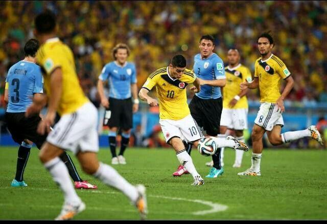 """""""@jamesdrodriguez: Gracias a quienes votaron por el mejor gol del mundial. Fue un lindo gol, un lindo momento para nunca olvidar."""""""