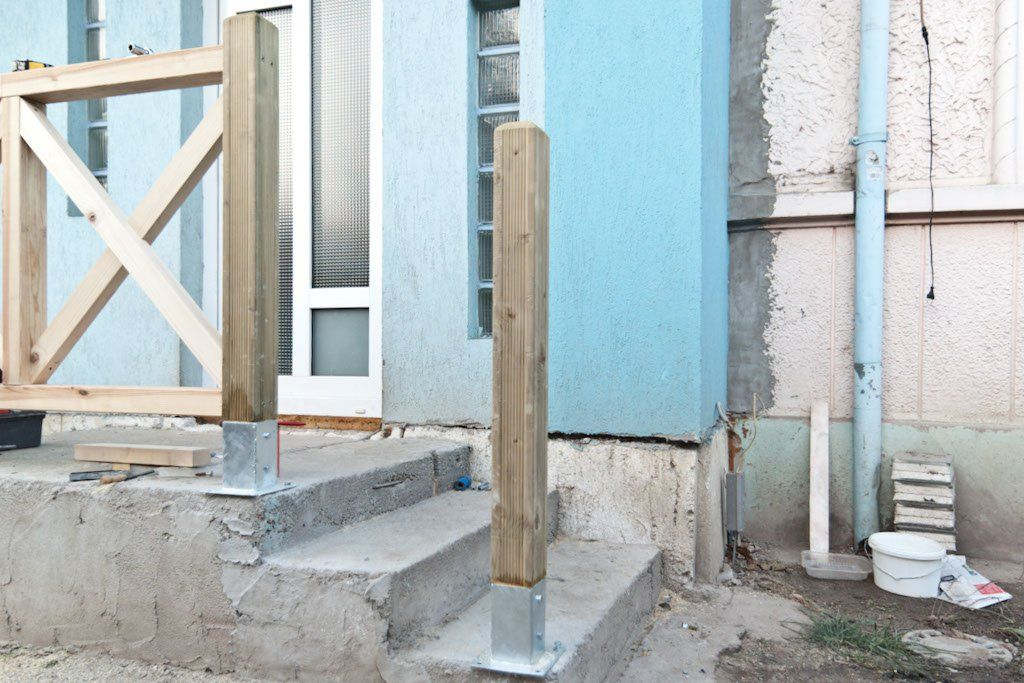 How To Anchor Post To Concrete Deck Stair Railing