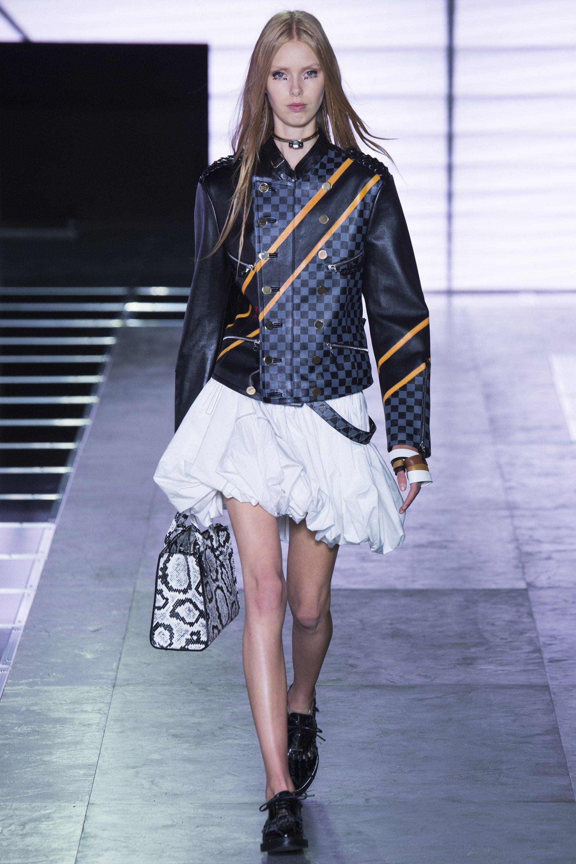 Louis Vuitton Spring 2016 Ready-to-Wear Fashion Show - Lululeika Ravn Liep