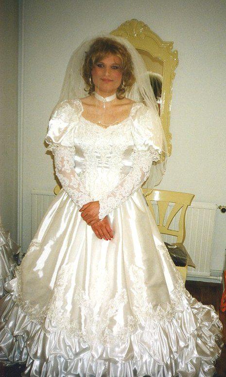 Transgender Brides This Beautiful Bride Is Bolette A Crossdresser