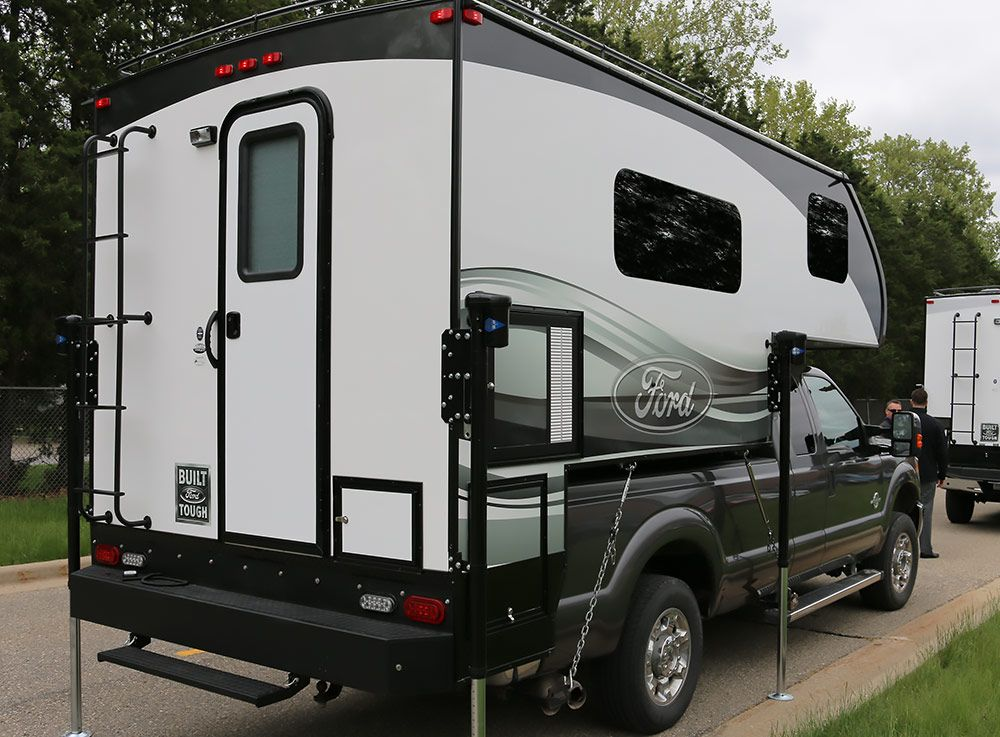 2016 Ford 8 6 And 6 8 Truck Campers Truck Campers For Sale