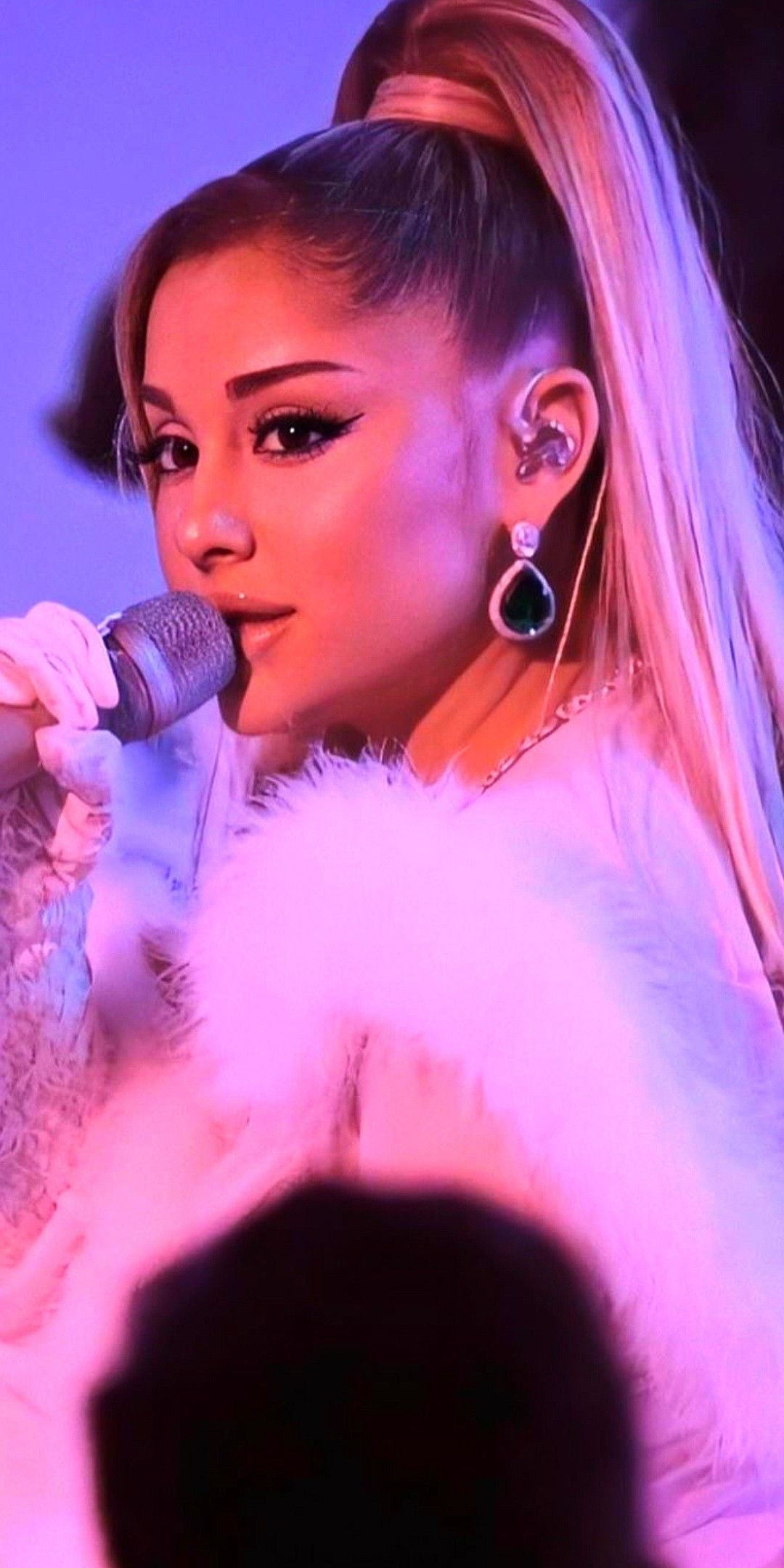 Pin By Nikolina Paunovic On Ariana Grande In 2020 Ariana Grande