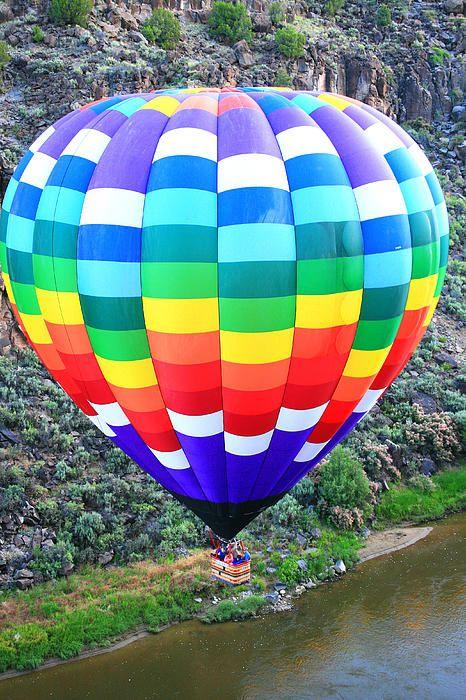 Hot Air Balloon Meets In Canyon By Veronica Vandenburg Balao De Ar Balonismo E Fotos