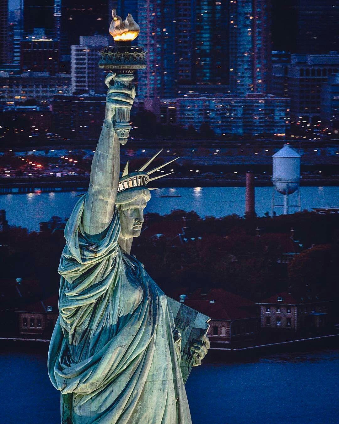 Statue Of Liberty By Paul Seibert New York Hotels New York Travel New York City
