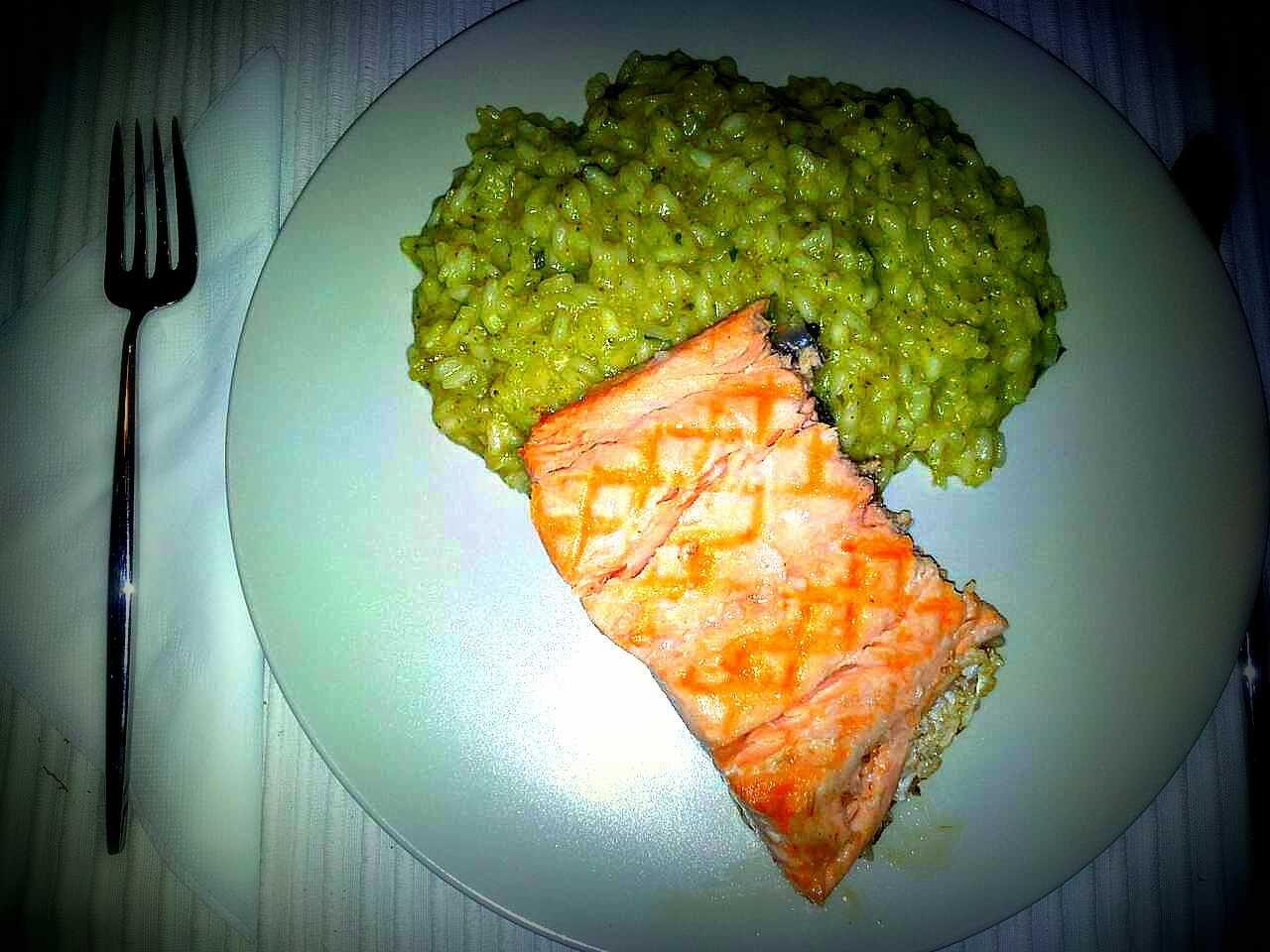 dó mi sol: Risoto de bróculos com salmão grelhado