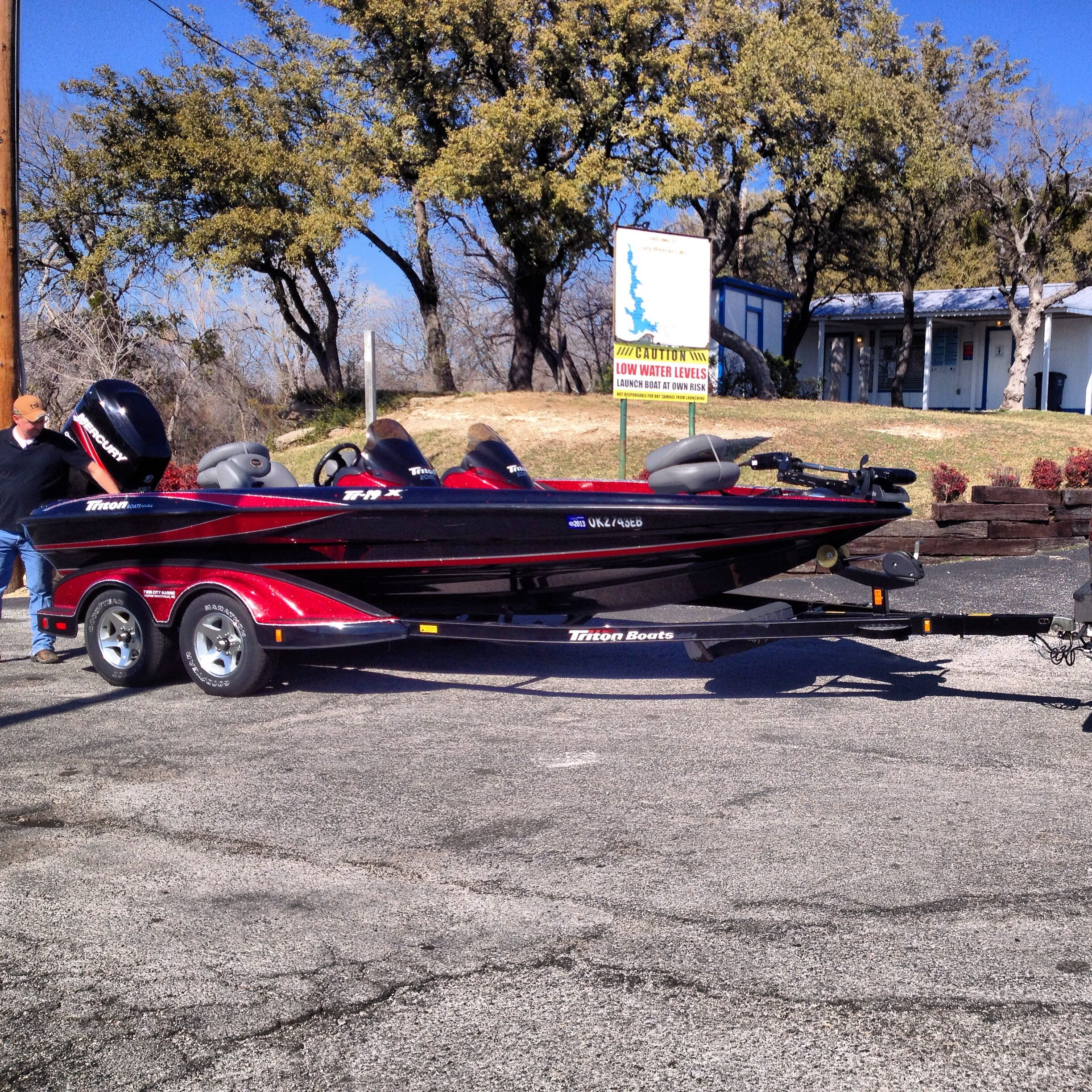 Triton bass boat Bass fishing boats, Bass boat, Cool boats