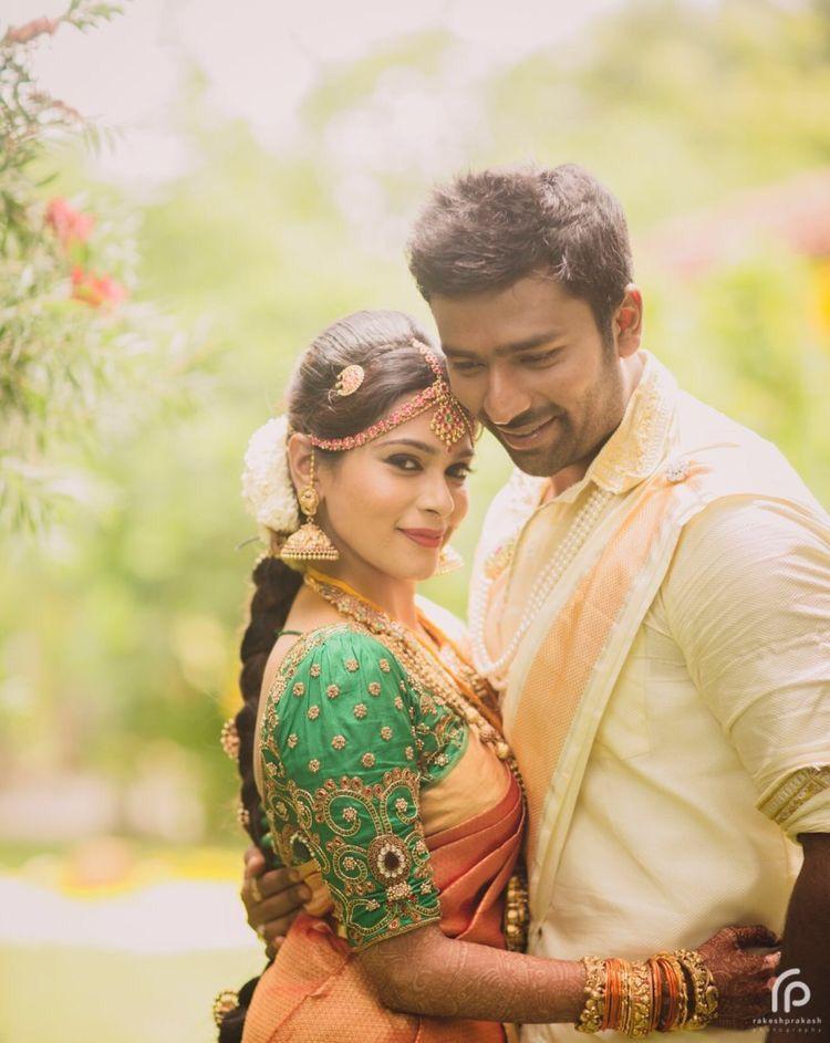 South Indian Bride Telugu Bride Tamil Bride Bridal Jewellery Photograp Indian Wedding Couple Photography Indian Wedding Couple Wedding Couple Poses Photography