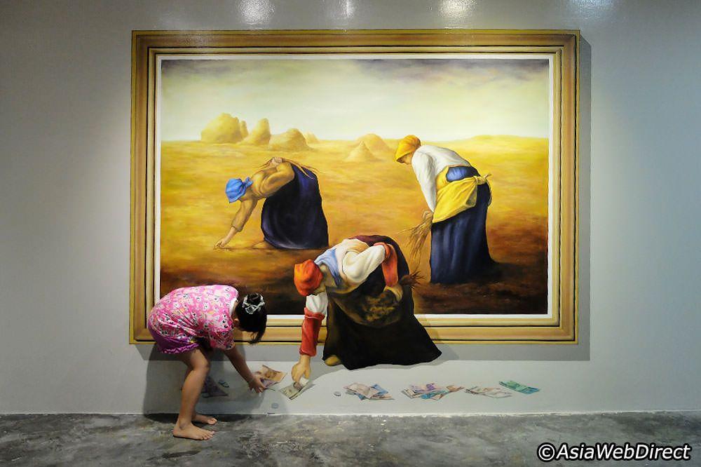 Phuket Trickeye Museum - Interactive 3D Painting Museum in Phuket Town