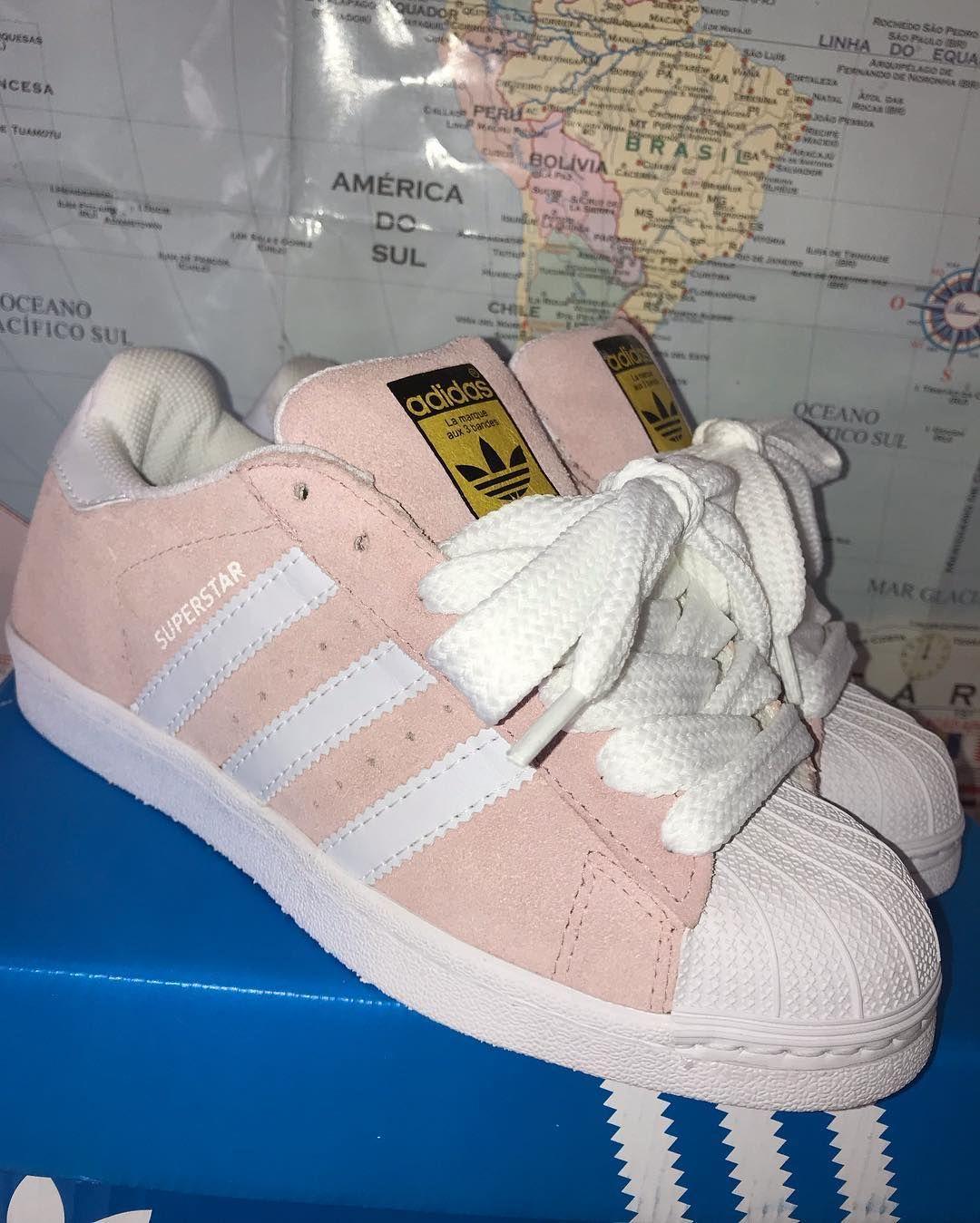 A imagem pode conter: sapatos | Adidas superstar, Adidas e