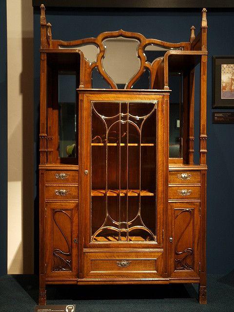 art nouveau closet nouveau art deco pinterest jugendstil m bel jugendstil und stil. Black Bedroom Furniture Sets. Home Design Ideas