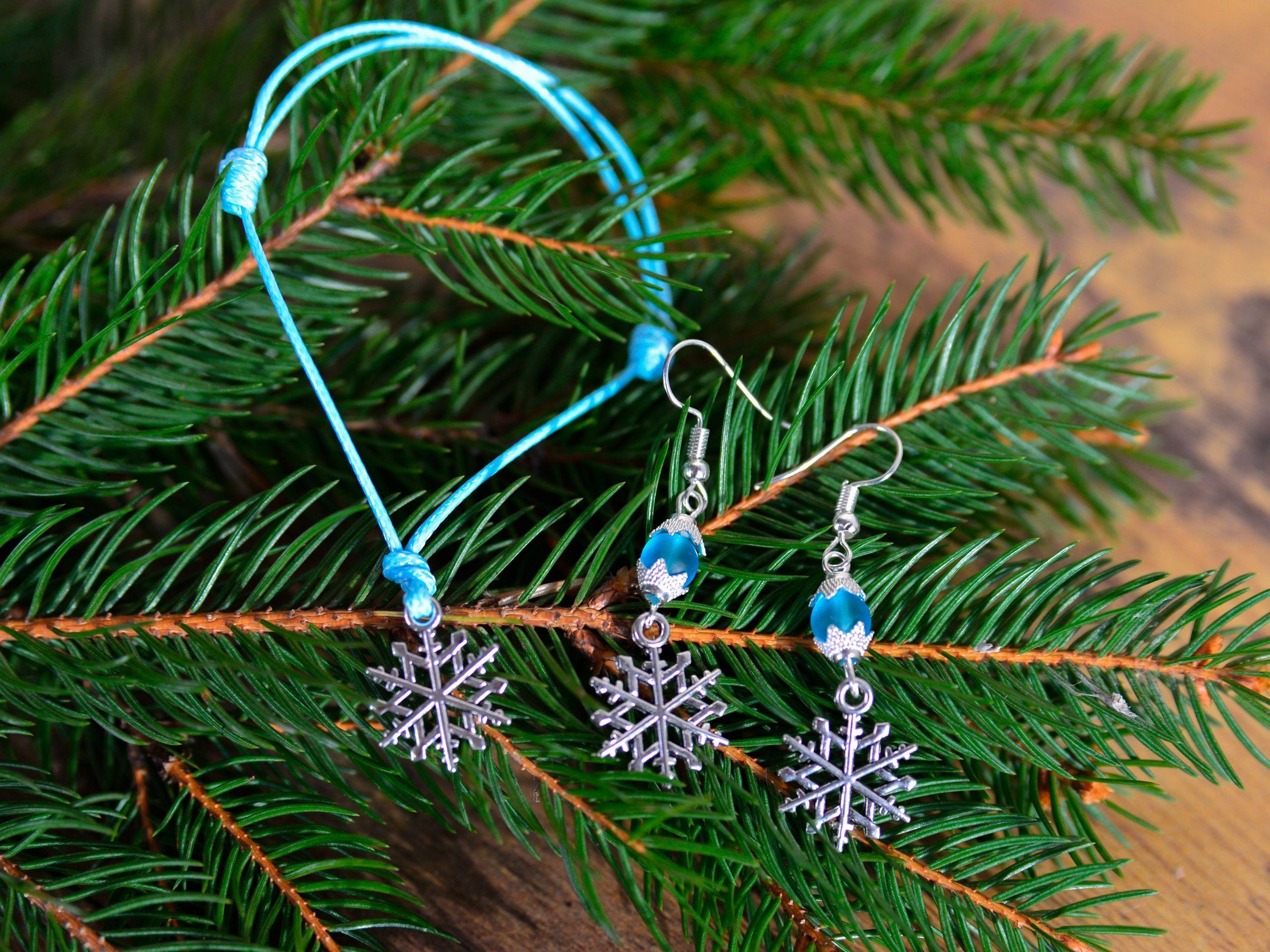 Swieta Komplet Kolczyki I Bransoletka Sznurkowa Ze Sniezynka Swieta Christmas Zima Winter Bizuteria Christmas Ornaments Holiday Decor Novelty Christmas