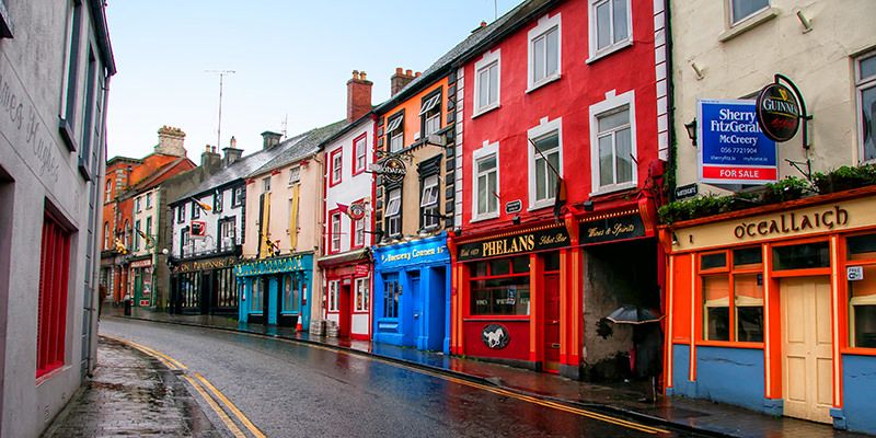 7 Signs That You're Not In A Real Irish Pub | VinePair