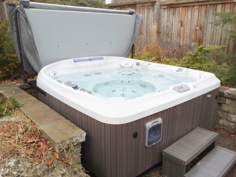 We recently installed this beautiful Jacuzzi J-470 hot tub ...