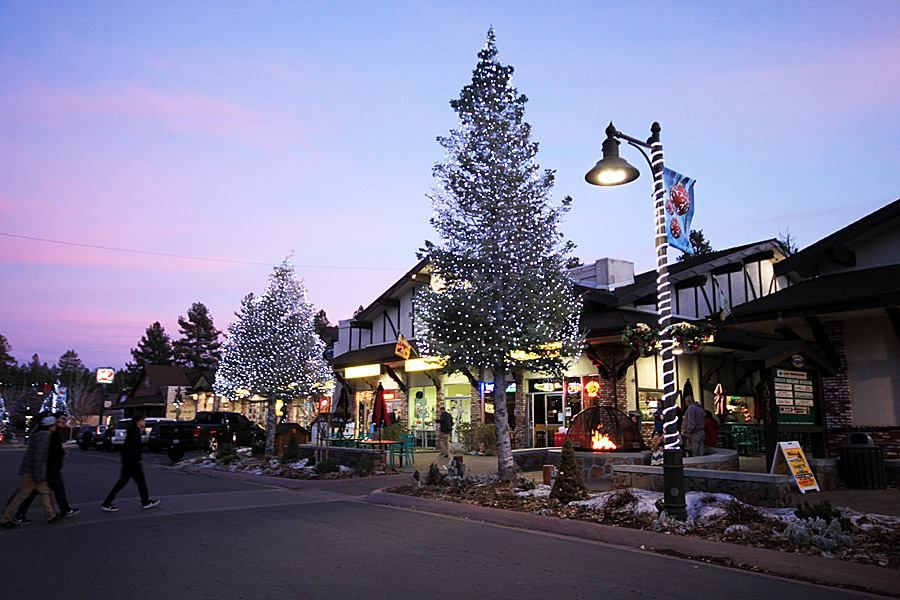 Big Bear Lake In Southern California Is One Of The Coolest Small Towns In The U S Big Bear Lake Big Bear Village Lake Village