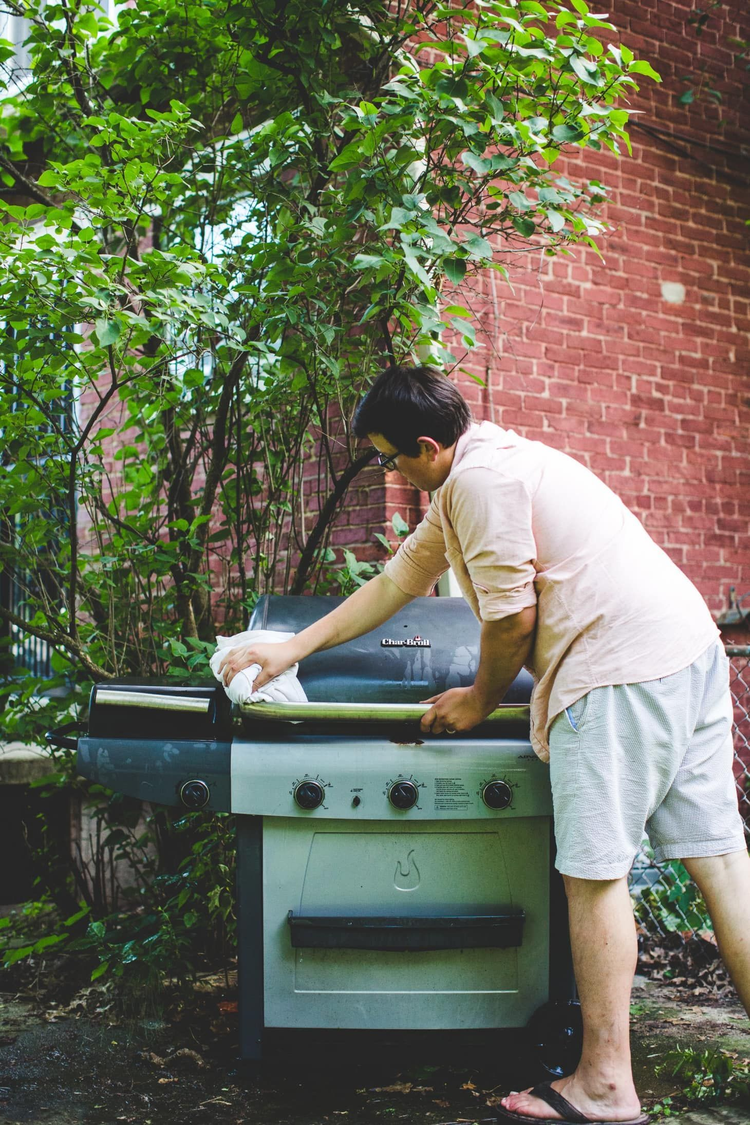 How To Clean Your Gas Grill Gas Grill Clean Grill Gas Bbq