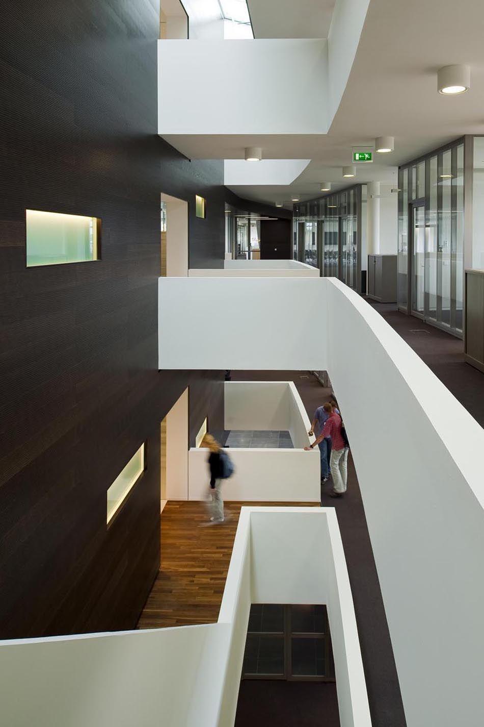 maas architecten kantoor waterschap rijn en ijssel doetinchem interieur transparant modern kantoor hout