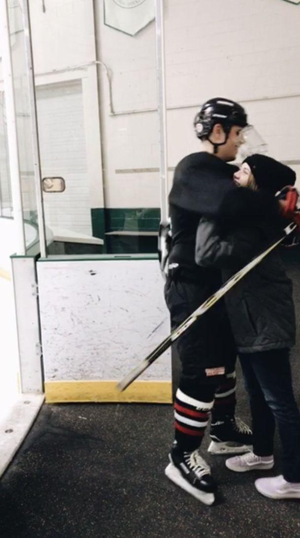 ˏˋ Insta Pinterest Keelybxo ˊˎ Hockey Girlfriend Cute Relationship Goals Boyfriend Goals Teenagers