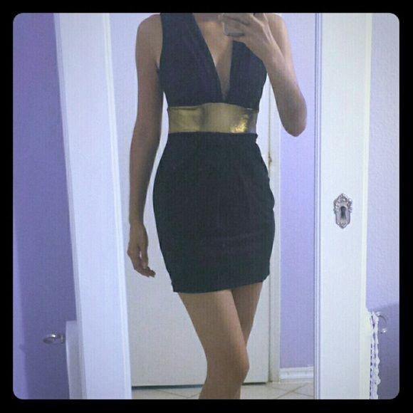 BRAND NEW Black Mini Dress Never worn, this dress is perfect for a night out! Deep v-neck; rouched empire waist is very flattering!  Take advantage of BUNDLE discount! :) Forever 21 Dresses Mini