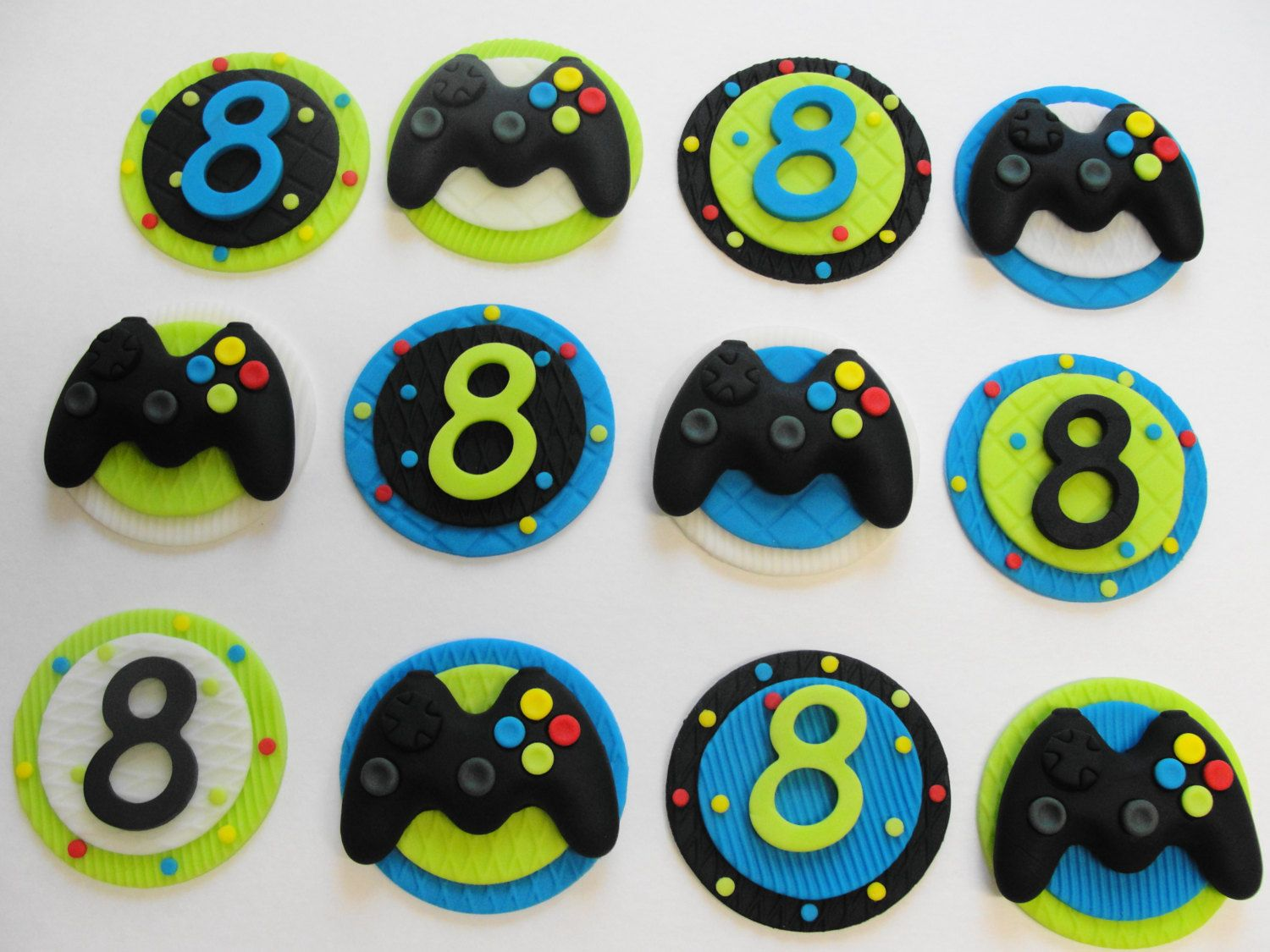 Video game birthday, Fondant video game cupcake toppers