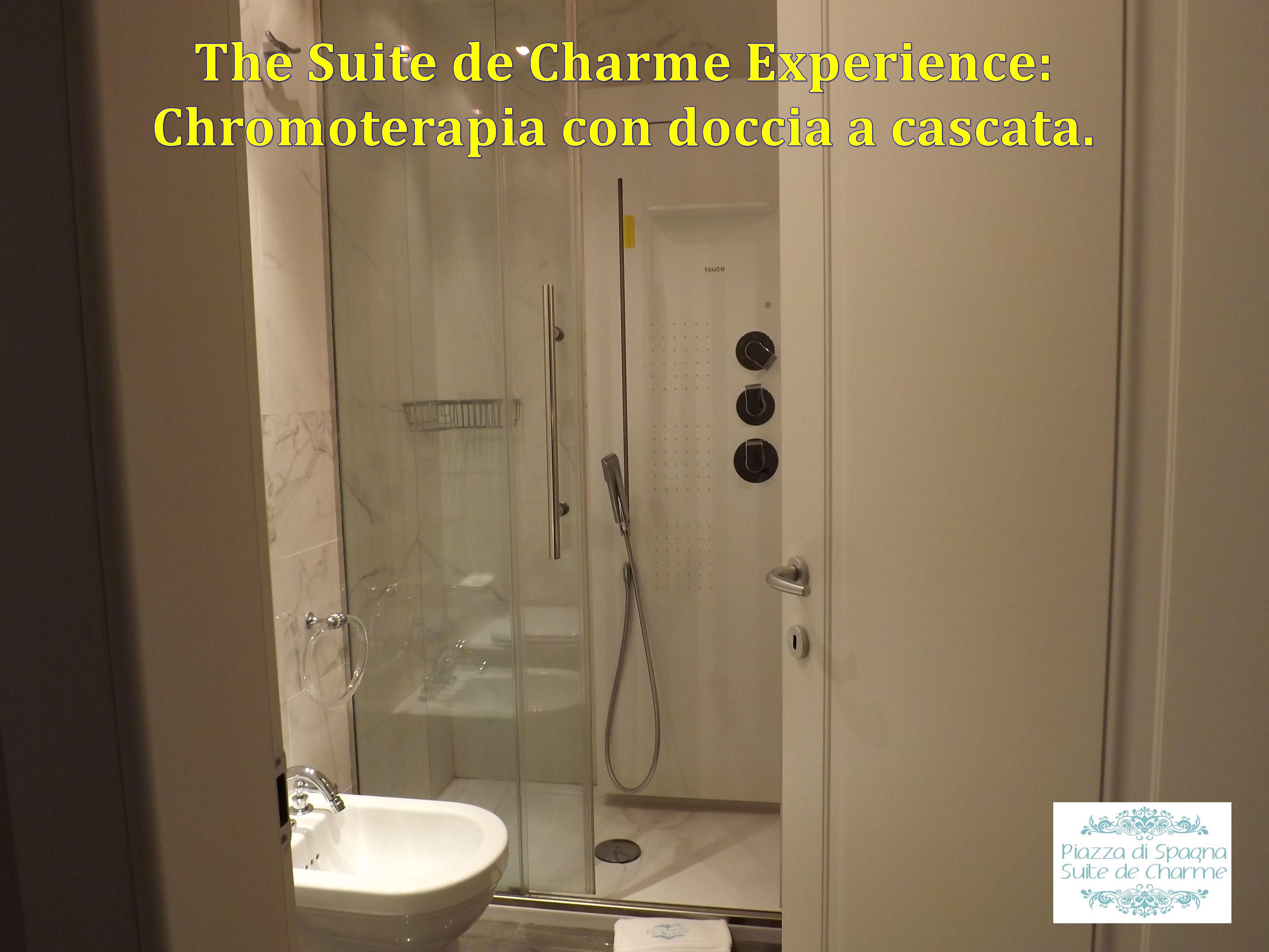 Bagno con cromoterapia e doccia a cascata hotel piazza for Doccia a cascata