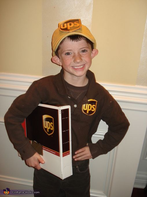ups delivery man halloween costume contest via costumeworks - Homemade Men Halloween Costumes