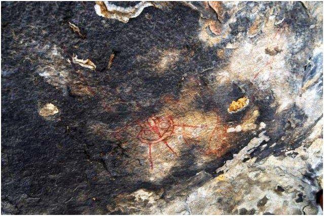 LA REALIDAD PERDIDA: Hallan en la India pinturas rupestres de hace 10.000 años con 'ovnis' y 'alienígenas'