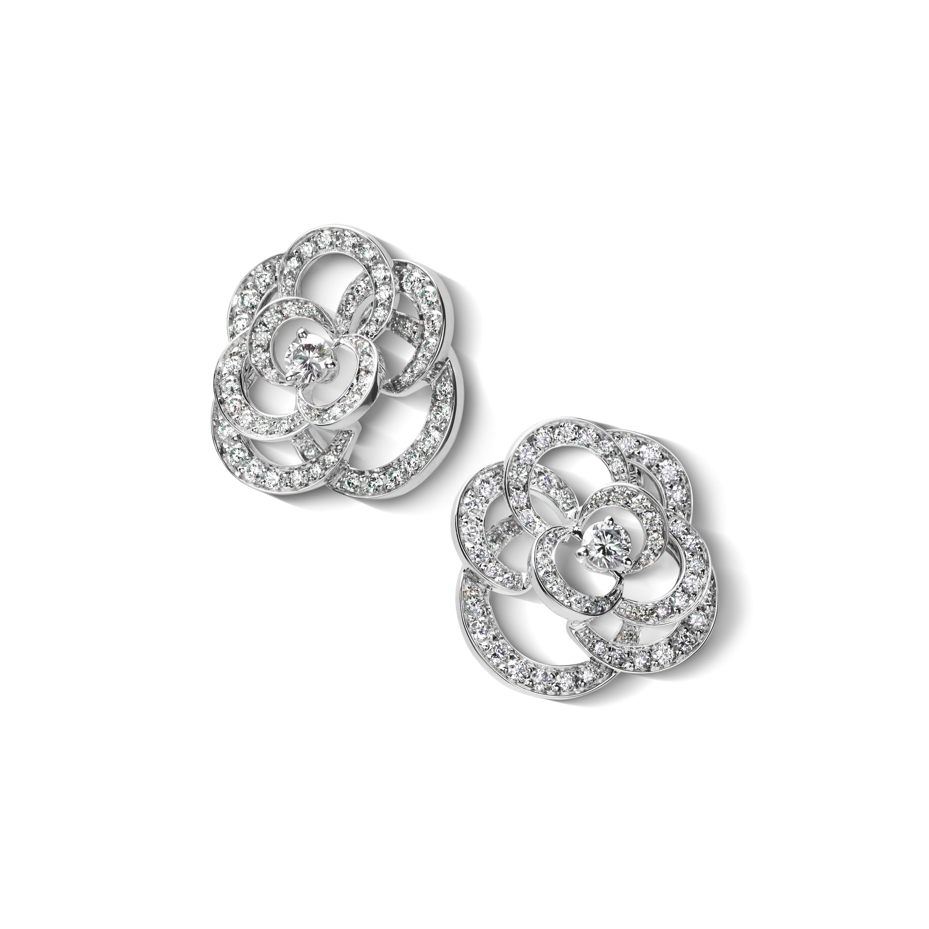 620f4d5a23d362 Camélia earrings - Fil de Camélia earrings in 18K white gold and diamonds  with one center diamond - Default view - see full sized version