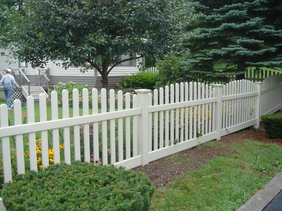 White Vinyl Fencing Ideas Vinyl Fences Fencing