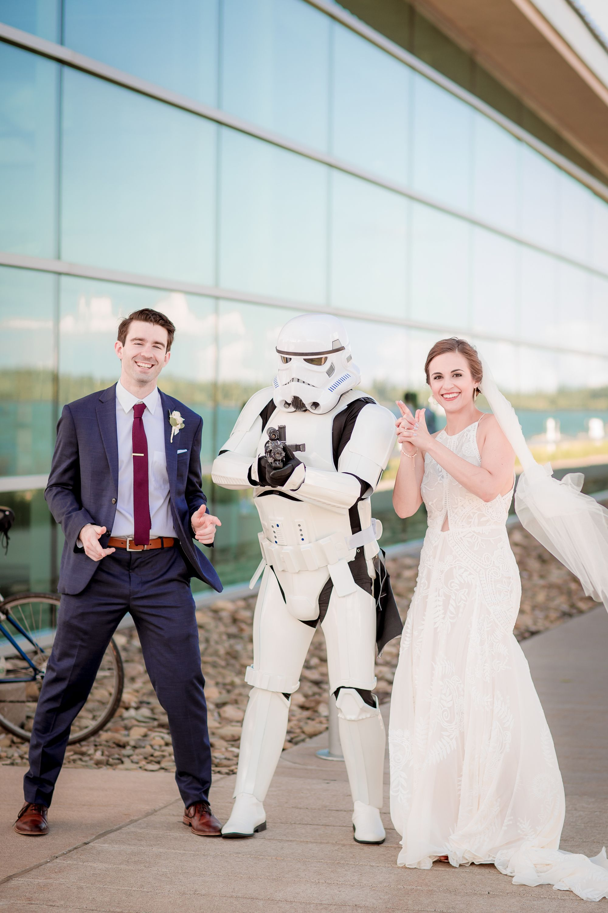 Wedding portraits are always better with a little personality in them! Who doesn't love a #starwars character?! #eriepaphotographer #eriepawedding #eriepaengagment #eriepafamilyphoto #eriepaweddingphotographer #solovelysofree #radlovestories #adventurouspiclife #epiclovepiclif #togetherjournal #wildhairandhappyhair #embracepresets #instawedding #huffpostido #calledtobecreative #friendsinmyfeed #postthepeople #thousandwords #photographysouls #pursuitofportraits #makeportrait