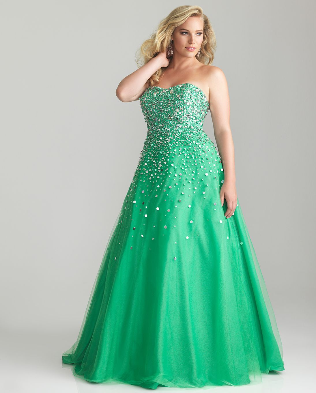 17 best Plus Size Prom images on Pinterest | Plus size prom ...