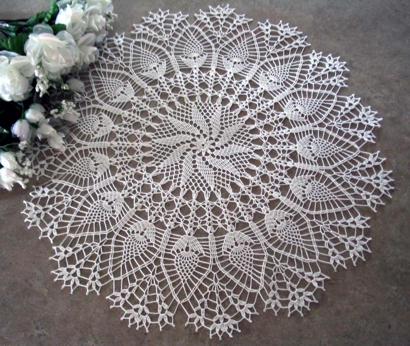 free crochet doily patterns | Flowering pineapples doily | crochet ...