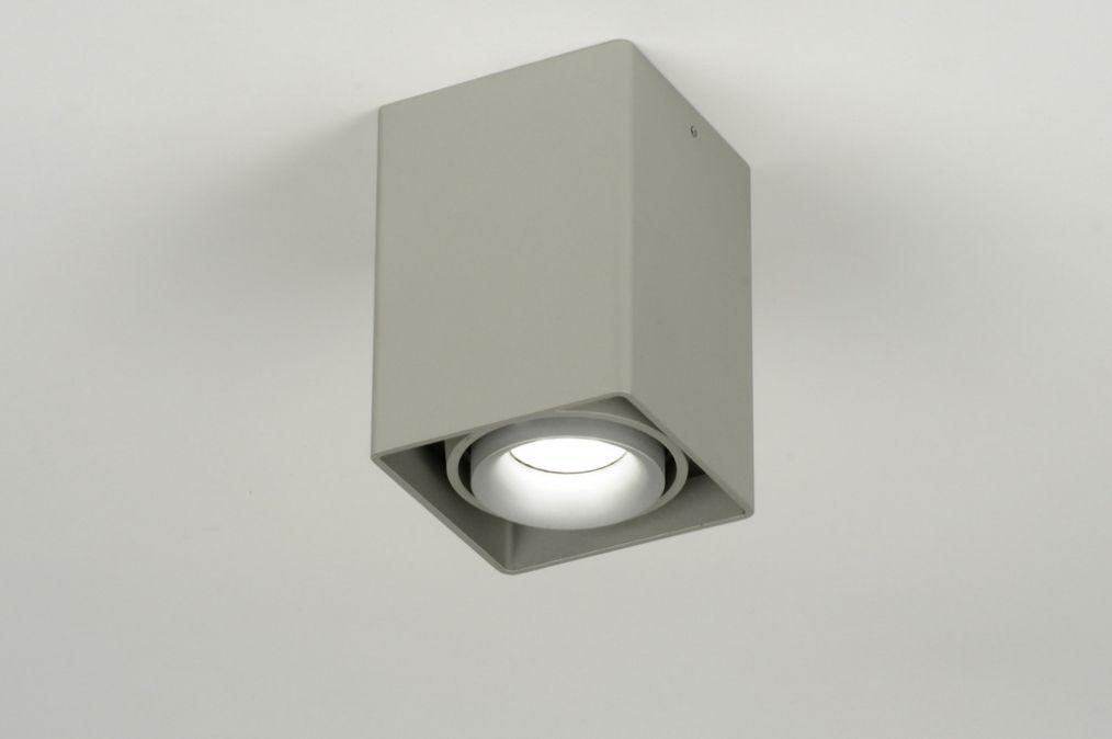 Eclairage direct spots non encastr au plafond for Spot pour salon