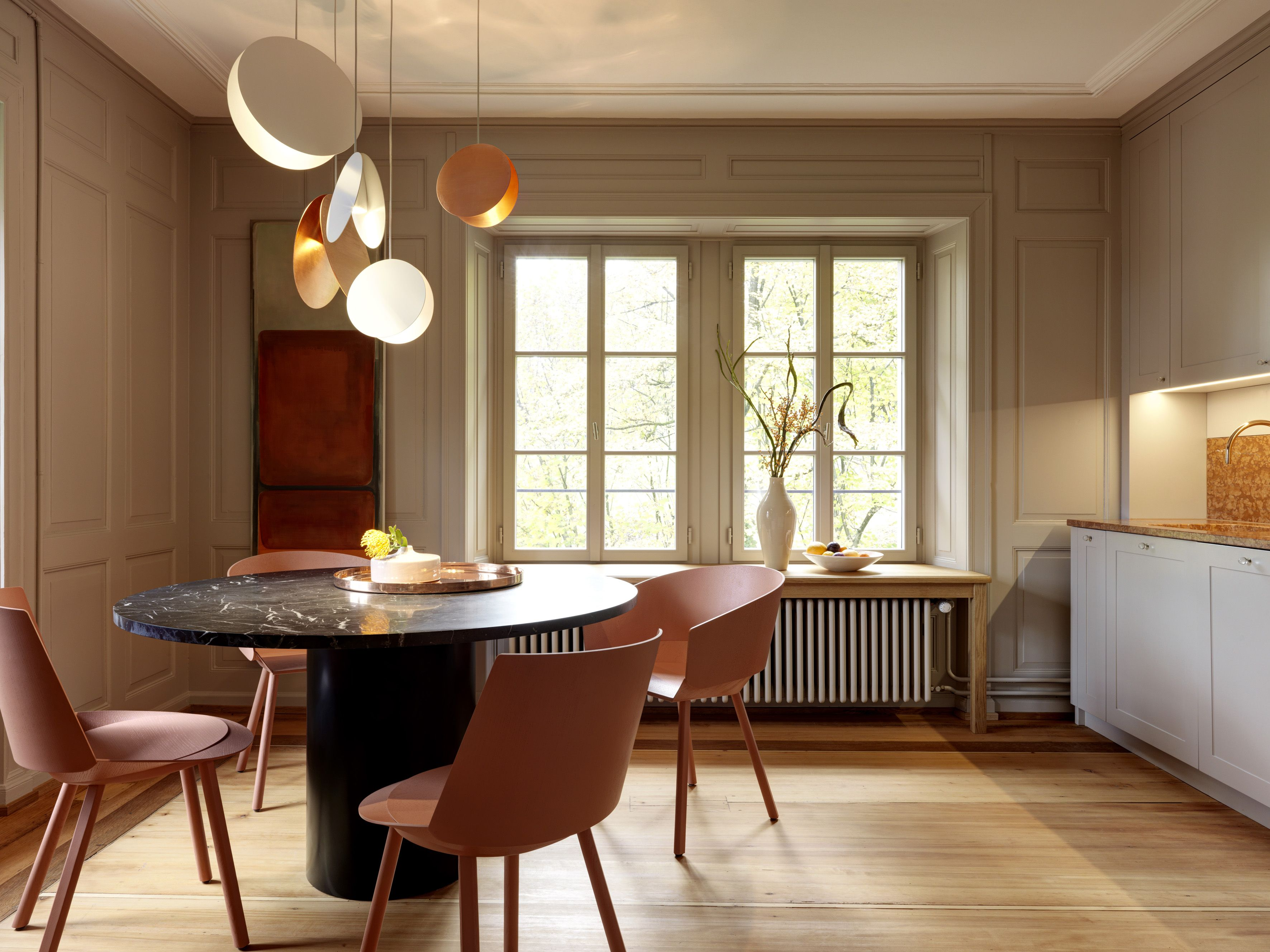E15 Chair Houdini Table Hiroki And Pendant Light North In A
