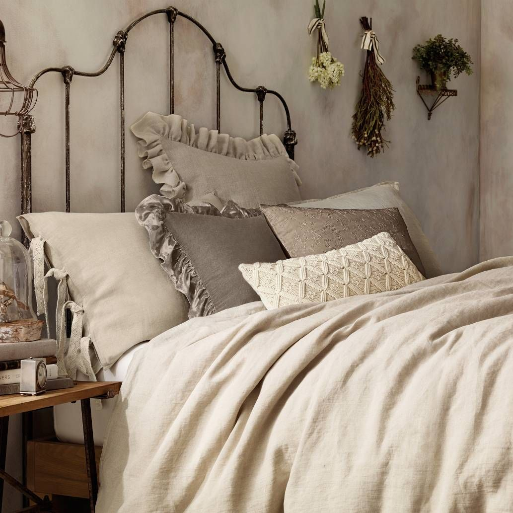 Add A Touch Of Understated Luxury To Your Bedroom With The Casual Yet Cozy Wamsutta Vintage Washed Linen Duvet Cover Crafted From Finest Belgian Flax