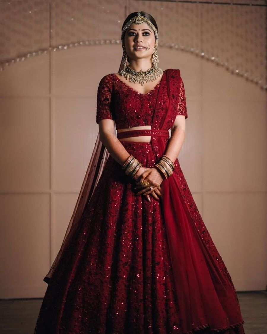 Backintrend 35 Shimmery Lehengas We Spotted These Real Brides In Wedding Lehenga Designs Indian Bridal Outfits Indian Bridal Dress [ 1125 x 900 Pixel ]